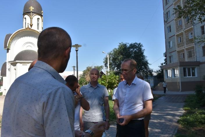 После благоустройства аллеи в Астрахани на ней сохнут деревья и не работает фонтан