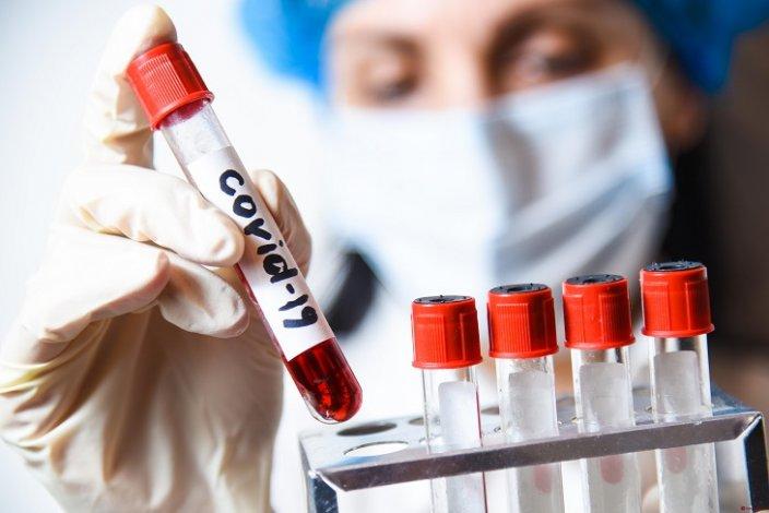 В Астрахани понизился суточный прирост заболевших COVID-19