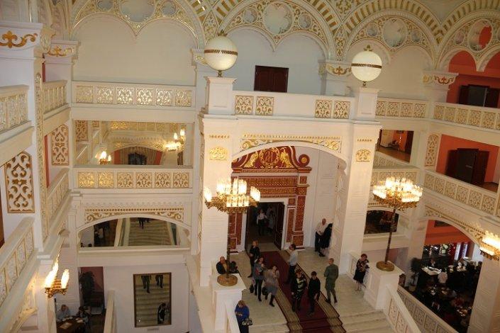 Астраханский театр оперы и балета закрыл 24-й театральный сезон