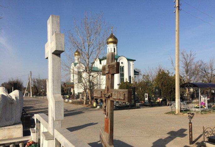 Те, кого сегодня рядом нет: вспоминая покоящихся на Новом кладбище астраханцев