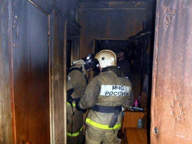На Астраханском судоремонтном заводе тушили пожар