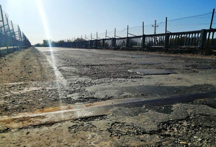В Камызякском районе ремонтируют мост