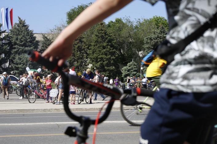 На центральных улицах Астрахани состоялся ежегодный велопарад с конкурсами
