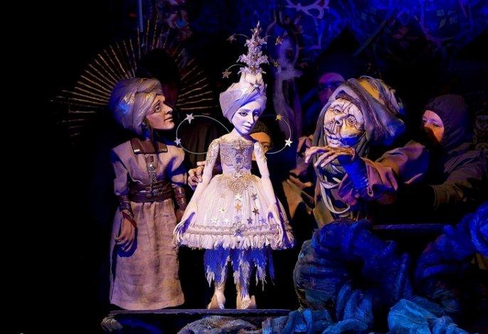 Астраханский театр кукол выступает в Москве