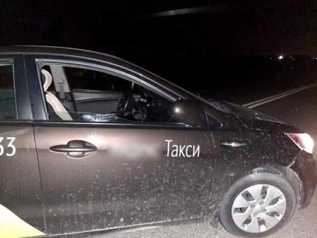 За день такси сбили трёх астраханцев
