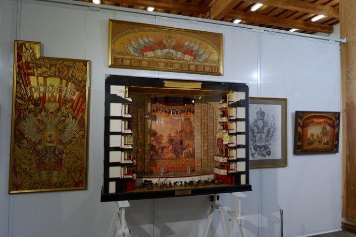 В Астрахани завершает работу художественная выставка последователей Ильи Глазунова