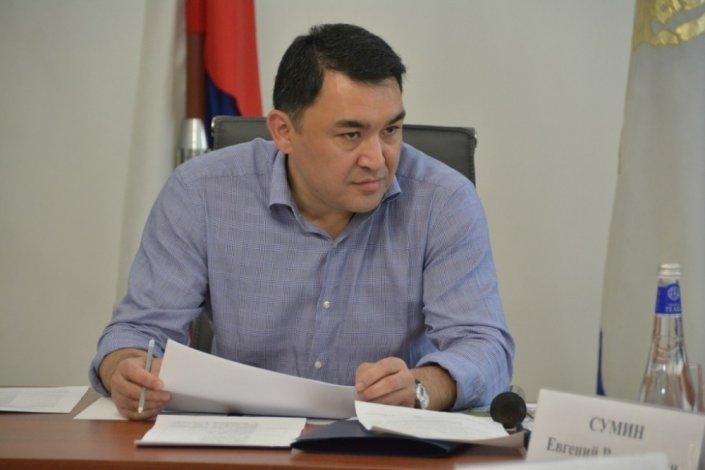 Астраханский экс-премьер Султанов остался в СИЗО