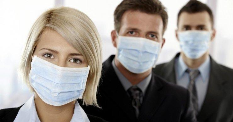 Носить маску на улицах Астрахани больше не надо