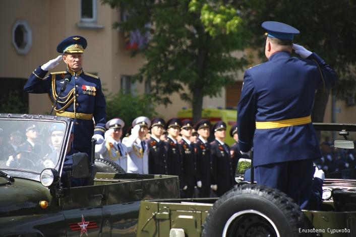В Астрахани состоялся парад войск в честь Дня Победы