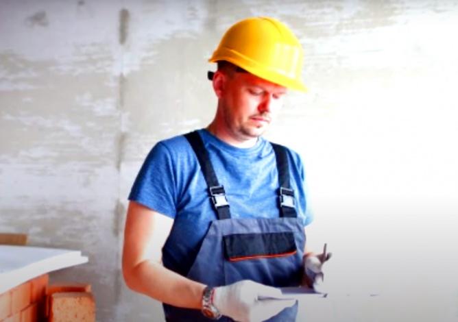 Астраханского коммерсанта второй раз за полгода обвиняют в невыплате зарплаты