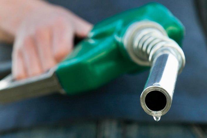На астраханских АЗС продавали некачественное топливо