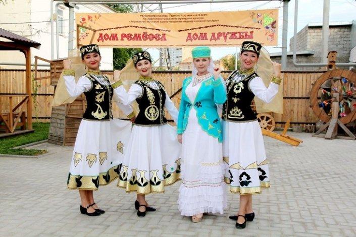 В Астрахани продолжаются этновечера