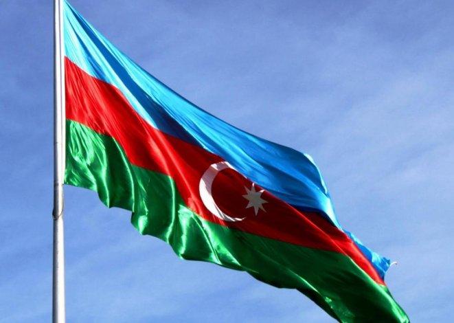 Из-за коронавируса в Азербайджане объявили длинные выходные