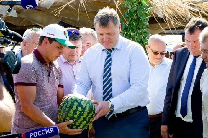 Об арбузах и не только: необычное интервью астраханского губернатора