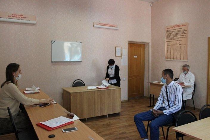 Астраханским призывникам рассказали об альтернативе армейской службе