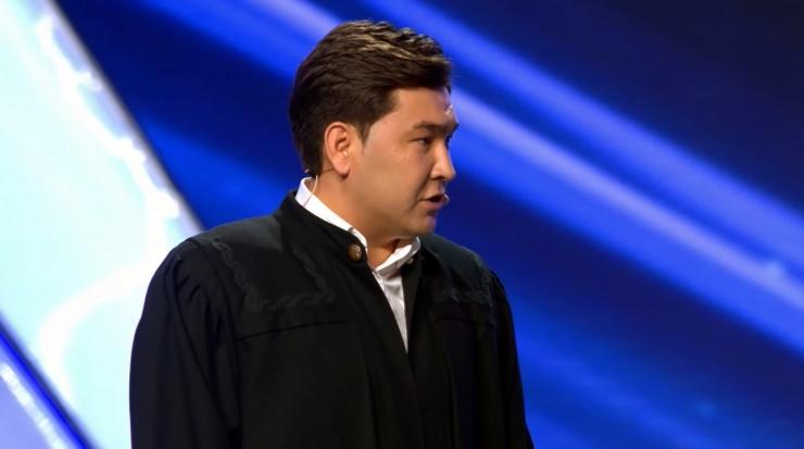 Камызякского судью обвиняют во взяточничестве
