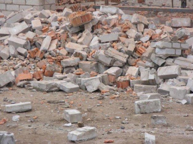 В Астрахани законсервируют опасный недостроенный объект