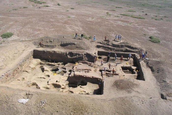 Под Астраханью развернулась глобальная археологическая экспедиция