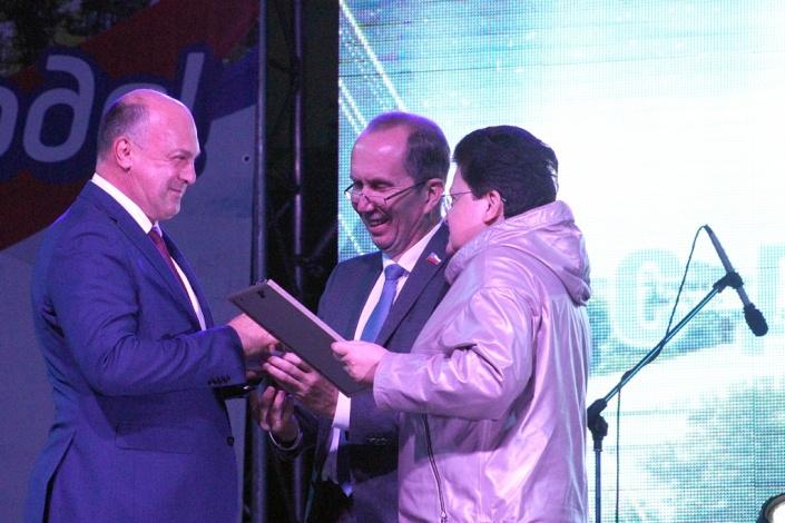 Памятный знак «Золотой лавр» вручен заместителю начальника Приволжской железной дороги Сергею Свечкарёву