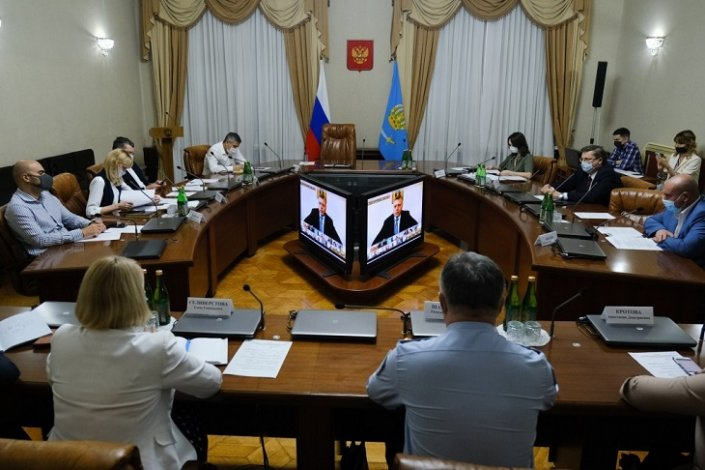 Астраханцам пока не стоит ждать перехода на второй этап снятия ограничений
