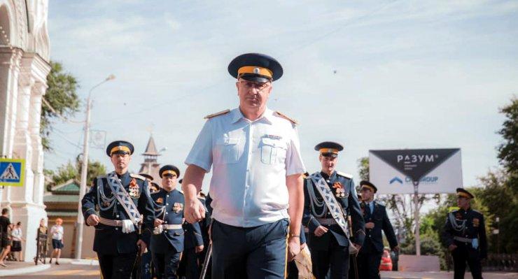 Маркелов промаршировал по центру Астрахани