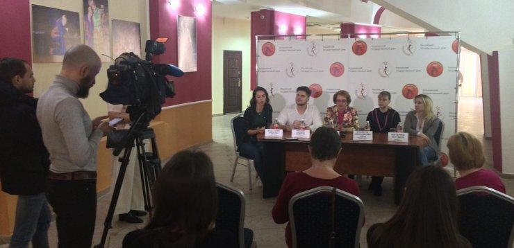 Астраханским журналистам раскрыли цирковые суеверия и приметы