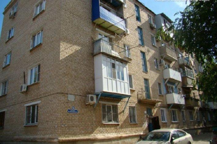 В Астрахани признали аварийным пятиэтажный дом
