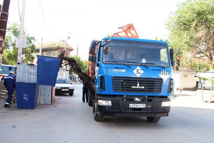 В Астрахани погиб рабочий мусоровоза