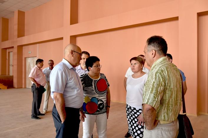 Небывалых для Астрахани размеров школа откроет свои двери для учащихся 1 сентября