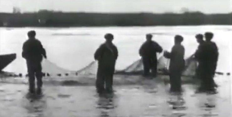 В сети опубликовано видео астраханской рыбалки полувековой давности