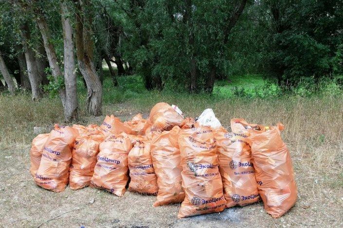 Акция «Чистые берега» прошла в Харабалинском районе