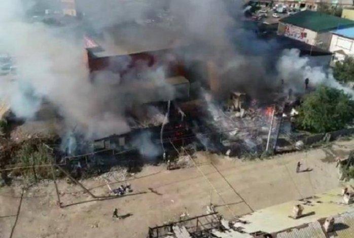 В Астрахани неделя началась с масштабного пожара