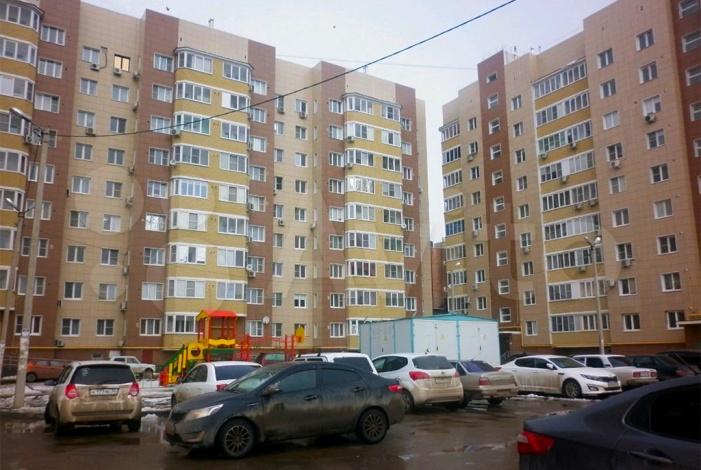 Астраханские власти объявили торги на покупку вторичного жилья для сирот