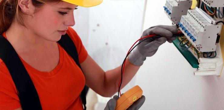 Астраханские энергетики потратятся на борьбу с похитителями электричества