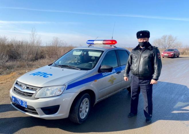 Астраханский полицейский спас инвалида