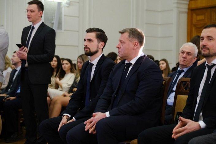 Сто лучших студентов Астрахани получили губернаторские стипендии
