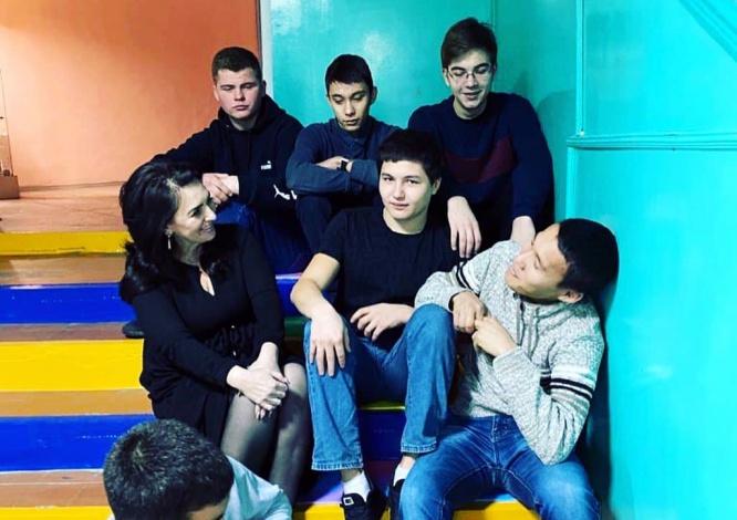 Алена Губанова сделала студентам приятное
