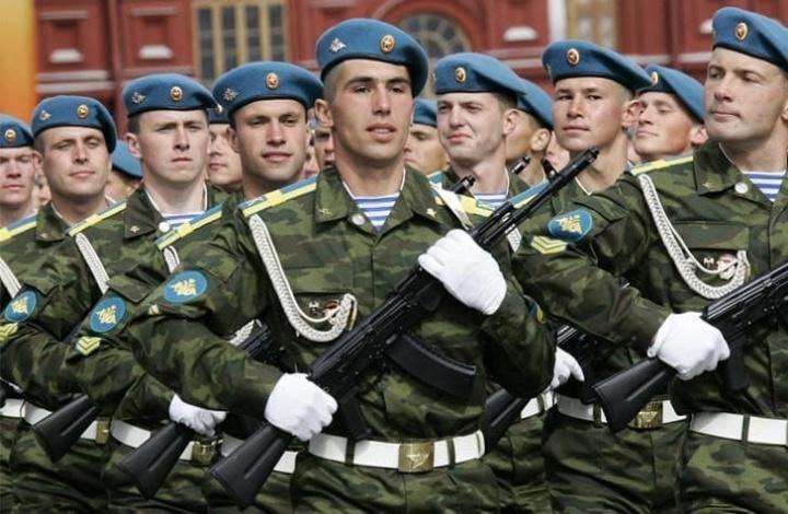 Астраханский губернатор поздравил десантников с праздником