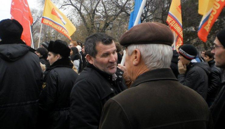 В сети обсуждают новый конфликт астраханского депутата и блогера