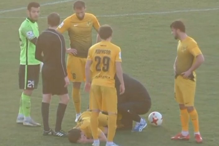 В Астрахани футболисты устроили драку сразу после финального свистка
