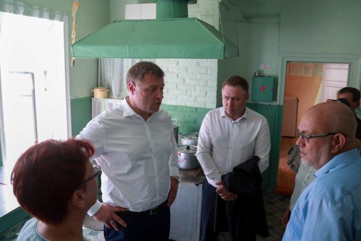 Увидеться с главой Астраханской области, в Золотуху съехались жители окрестных сёл