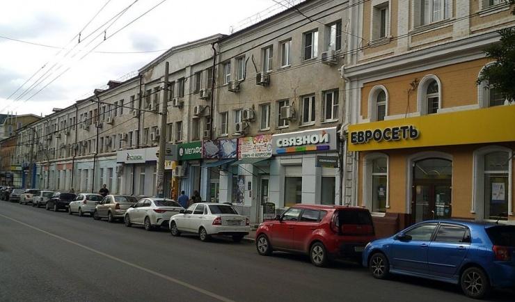 Многоквартирный дом в центре Астрахани остается без управления вопреки федеральному законодательству