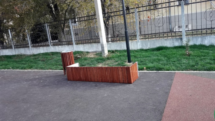 На парк «Дружба» в Астрахани напали вандалы