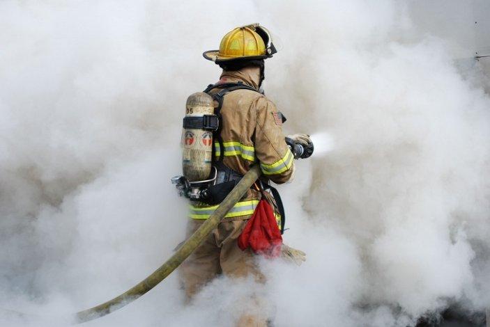 В Астрахани на пожаре погиб мужчина