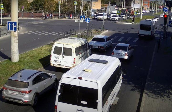 Астраханские маршрутки вновь попались на беззаконии