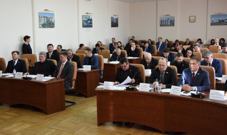 Депутаты заострили внимание на самых важных для Астрахани проблемах