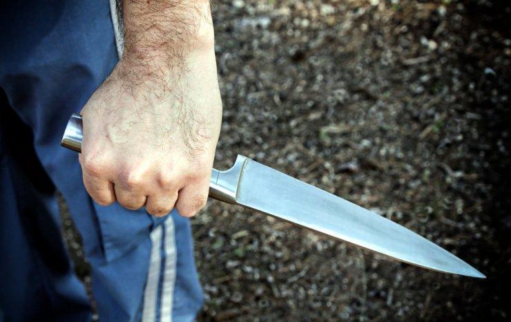 В центре Астрахани зарезали молодую женщину