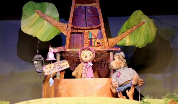 Маленьких астраханцев ждут спектакли Кстовского театра кукол