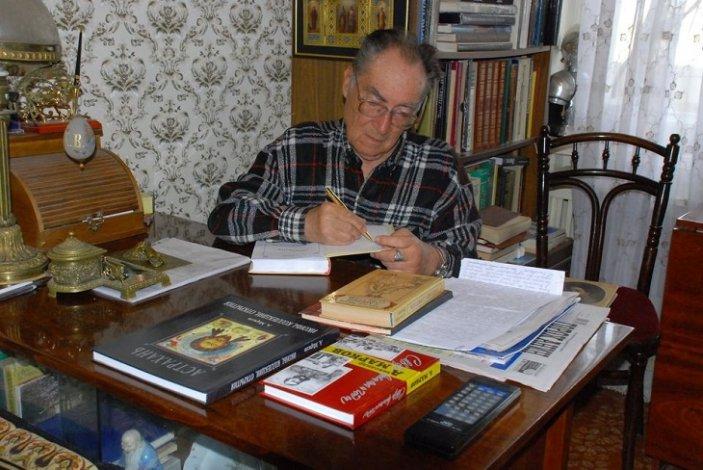 Астраханцы поздравляют Александра Маркова с днём рождения
