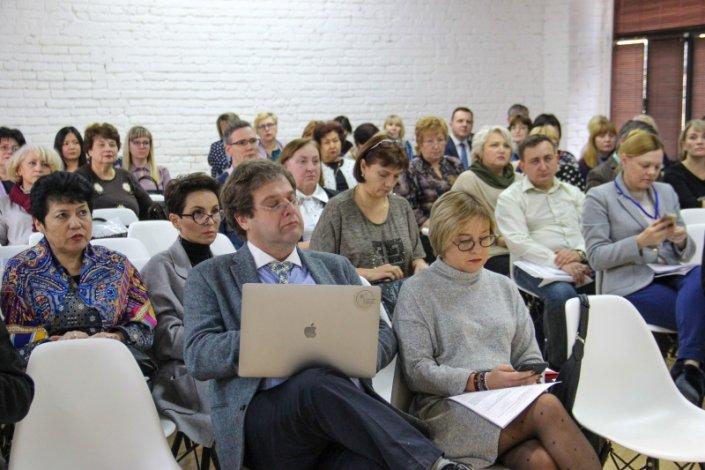 Педагогическое сообщество страны обсуждает в Астрахани новую модель повышения квалификации учителей